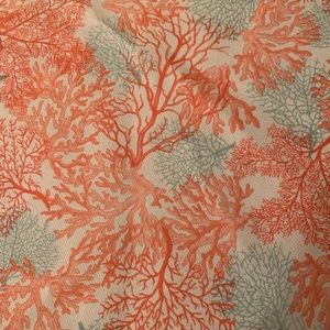 "Threshold Coral 70"" Round Tablecloth"